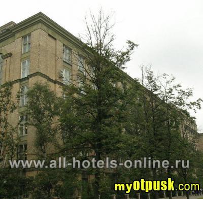 """Пятый океан) открылась в 2010 году.  Отель расположен между станциями метро  """"Сокол """" и  """"Аэропорт """", на Ленинградском..."""