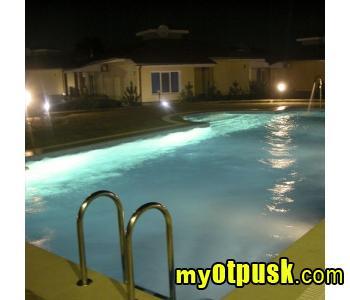 Отели в бердянске с бассейном